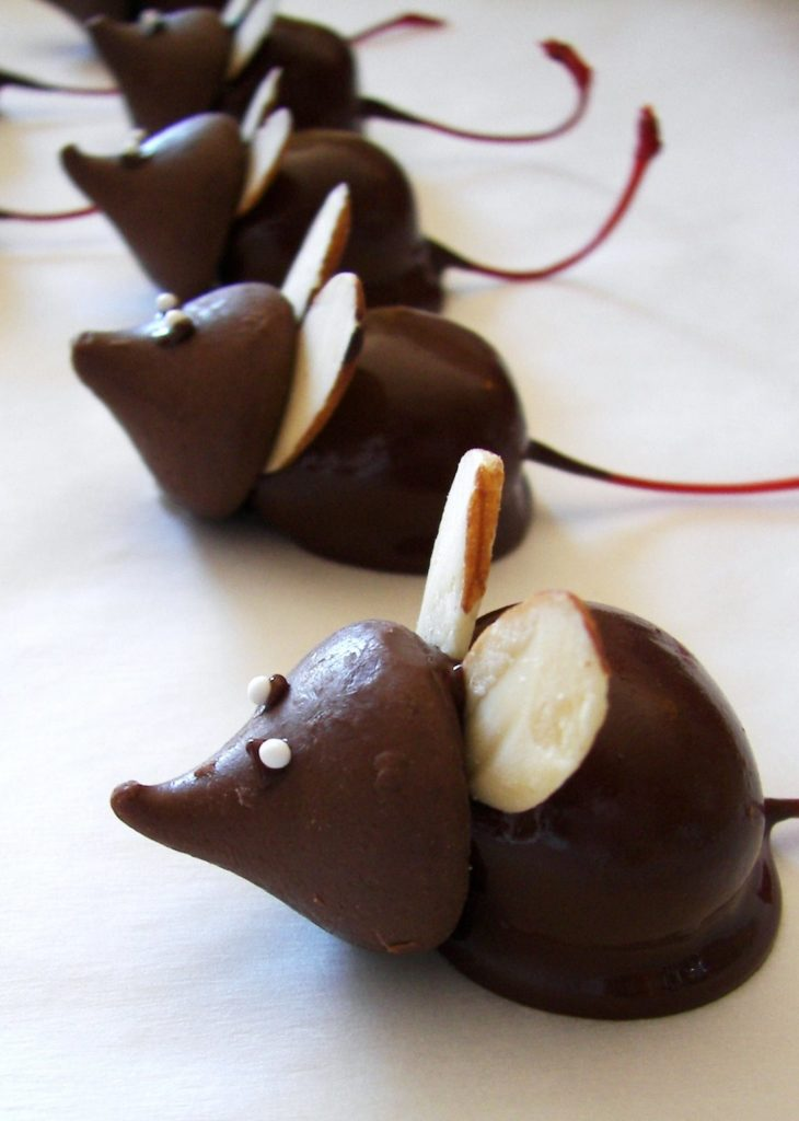 Christmas Mice by Knot in the String