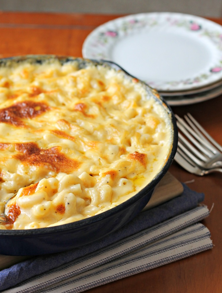 Baked Macaroni and Cheese by The Country Contessa