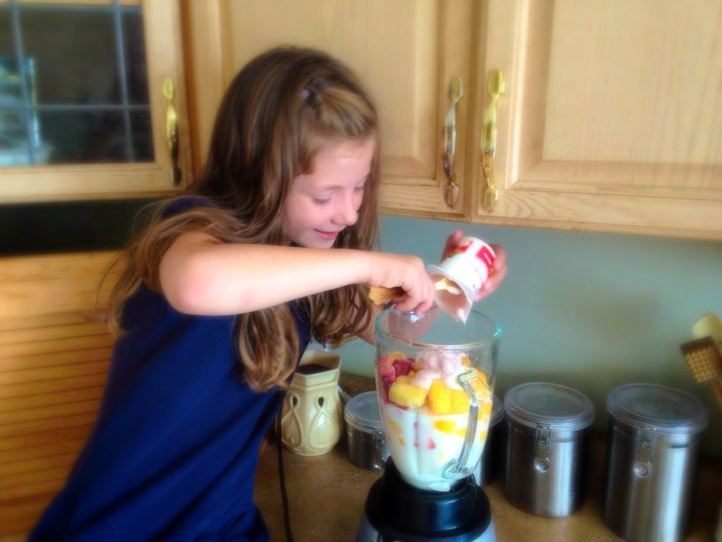 The After-School Smoothie that will make your kids #SnackandSmile! #ad #sponsored