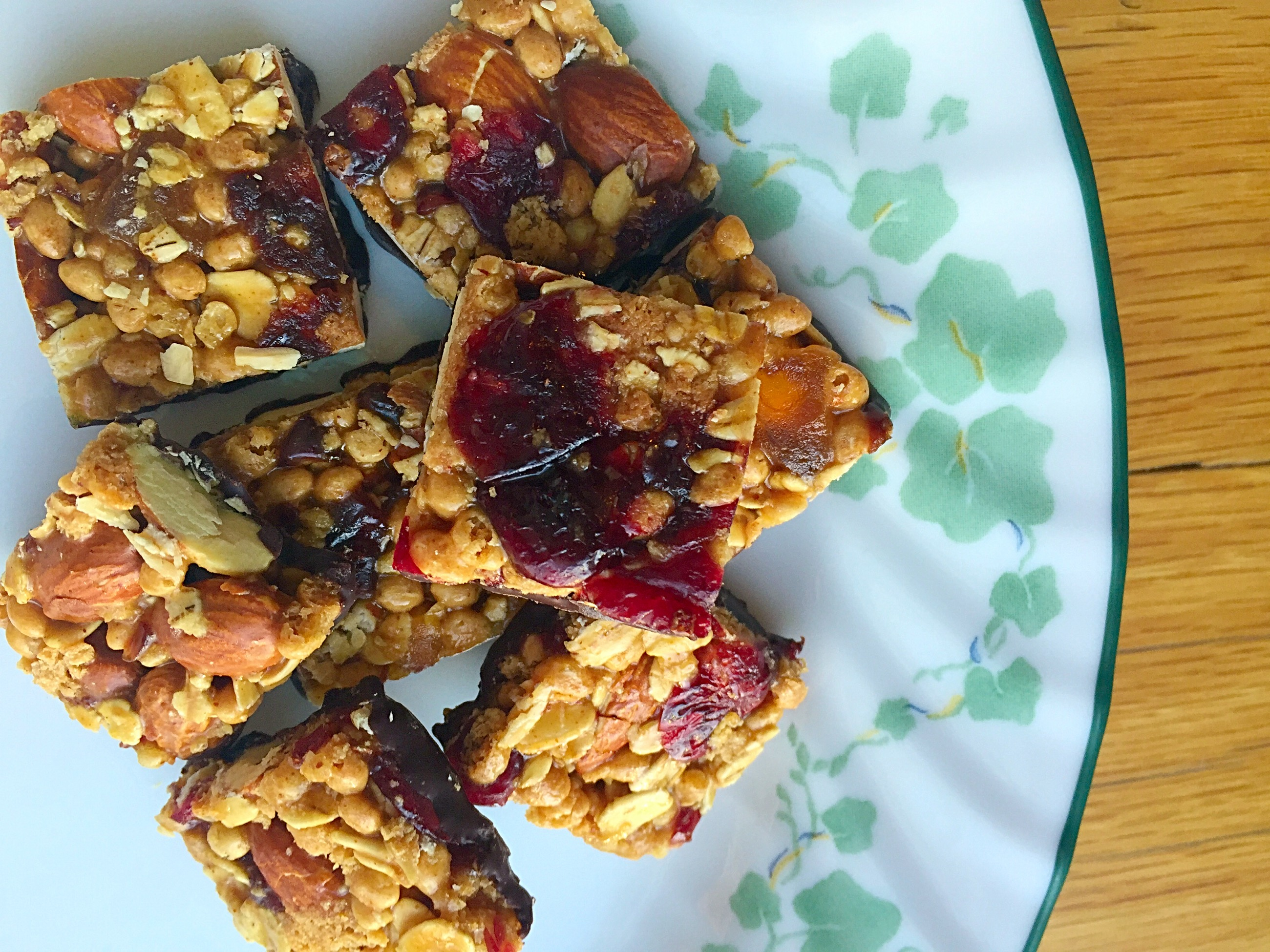 @gksnacksquares #tryalittlegoodness with these goodnessknows snack squares! #sponsored #ad